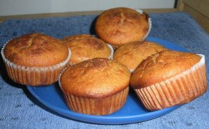 Muffins_with_honey