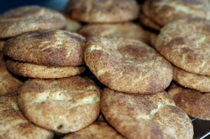 800px-Pile_of_snickerdoodles