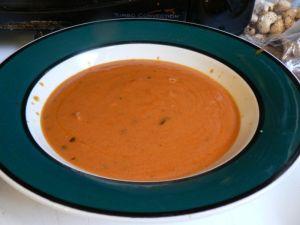 800px-Tomato_soup